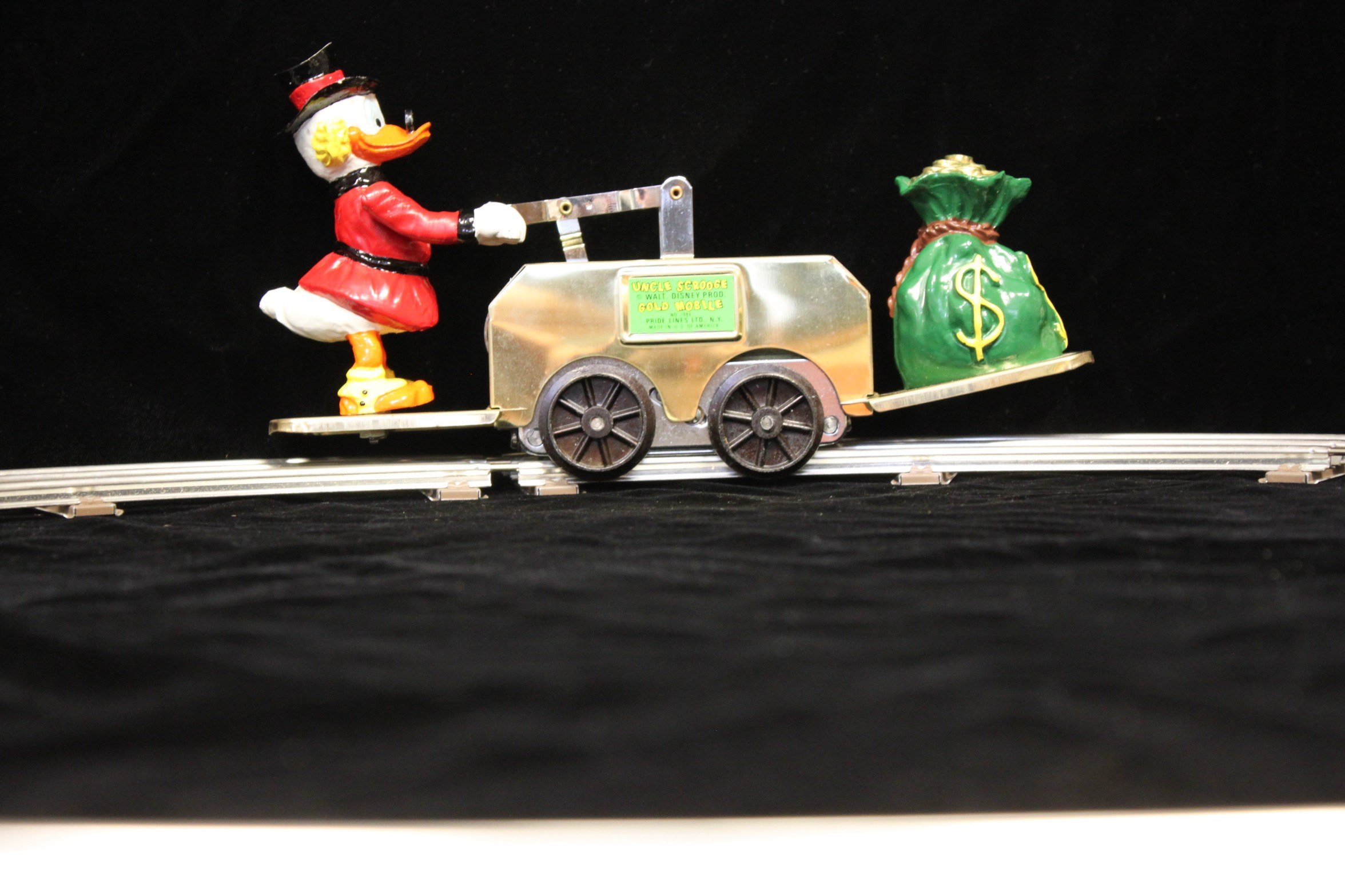 Uncle Scrooge Gold Mobile Hand Car - 1495